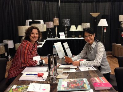 homefront redesigns Dianne Amaral-Medeiros w/customer at Fall Home Show event