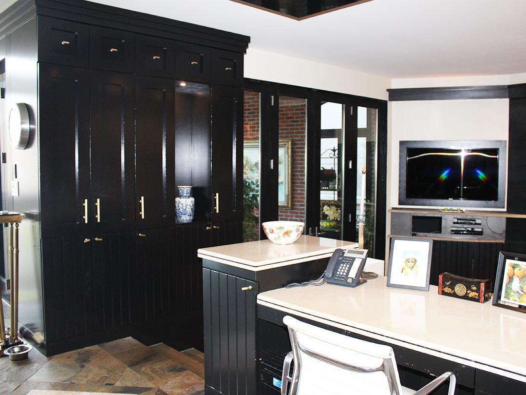 homefront redesigns project Vista Drive desk, Vista Heights, Mississauga, Toronto