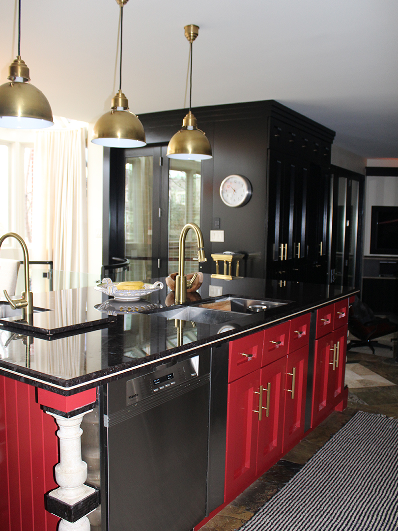 homefront redesigns project Vista Drive kitchen island, Vista Heights, Mississauga, Toronto